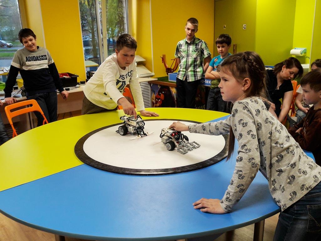 Лаборатория роботов — 00054